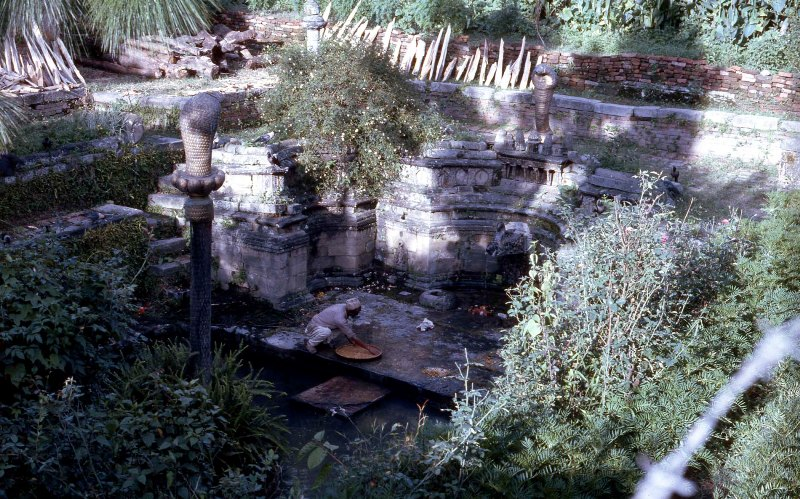 1.Utazas-Egy-kathmandui-templom-kertje