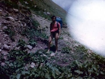 Átkelés a hegyi patakon