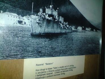 Kotori Tengerészeti Múzeumban a Balaton romboló fényképe